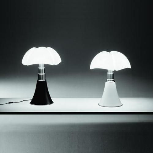 Lampe Mini Pipistrello, de Gae Aulenti, Martinelli Luce