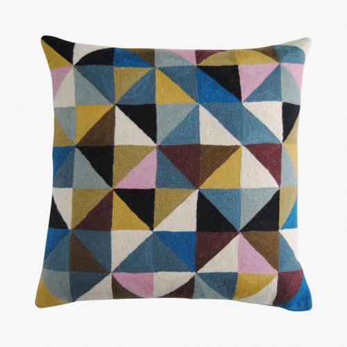 coussin Harlequin, multicouleur, en coton et laine, 50 x 50 cm, 110 euros-niki-jones chez Le bon marché