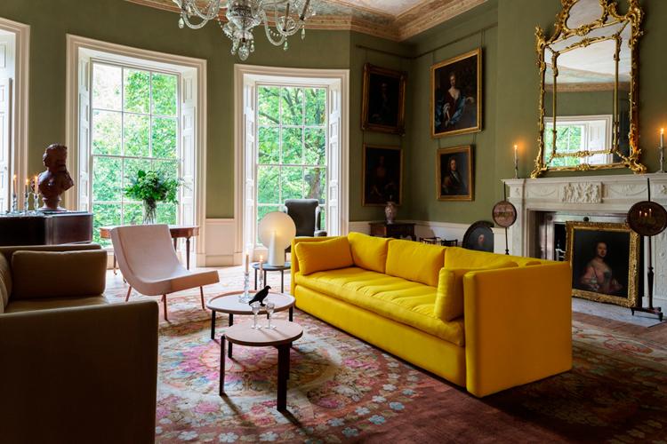 "Canapé ""Hackney"", H 75 x L 254 x P 96 cm, à partir de 3 000 euros, Sebastian Wrong, Hay"