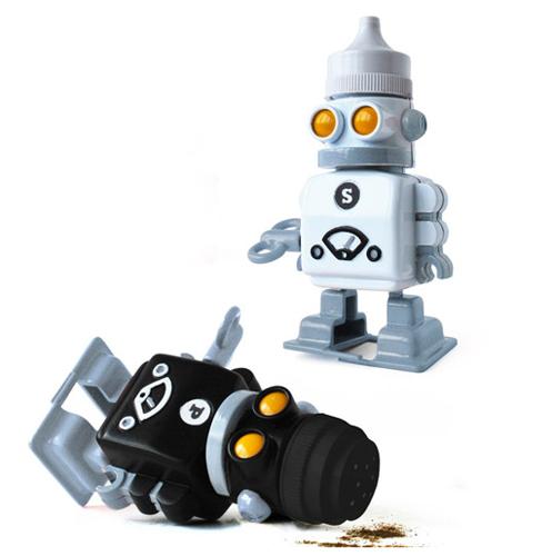 Robot salière et poivrière, Suck Uk